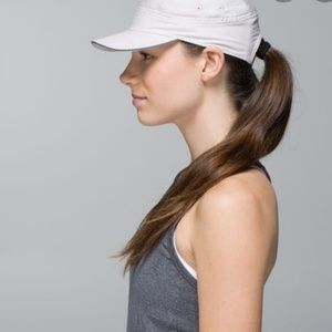 Nwt Lululemon race to place Run hat cap